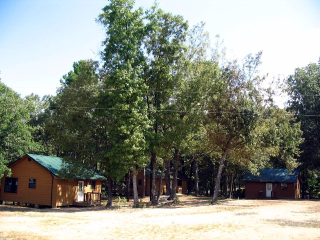 Tour-09-Deluxe Cabins.jpg