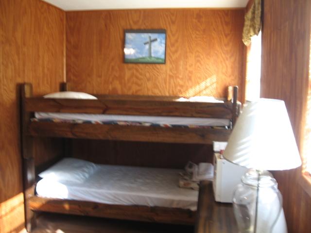 MotelBunks-640x480.JPG