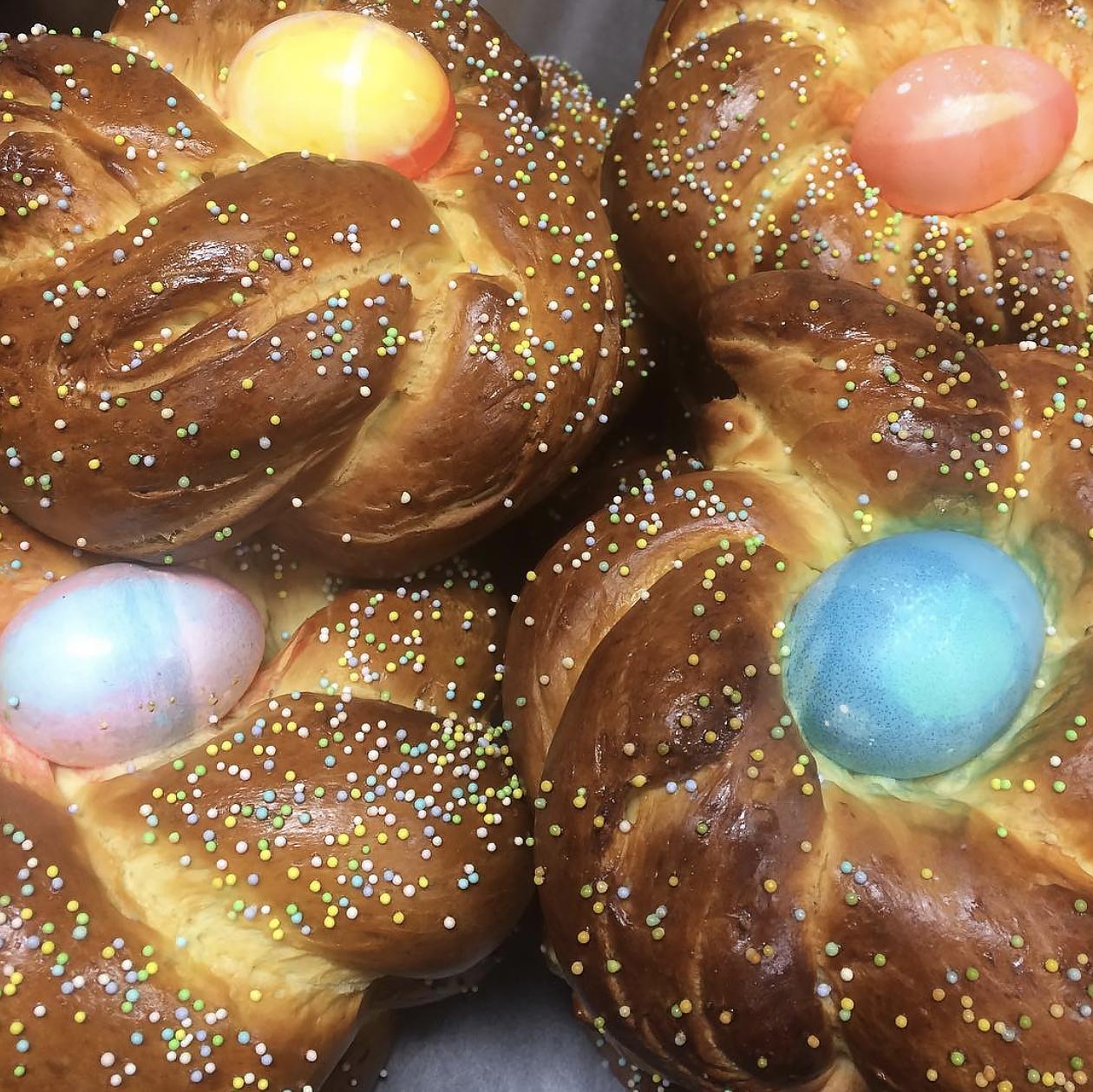 EasterBread.jpg
