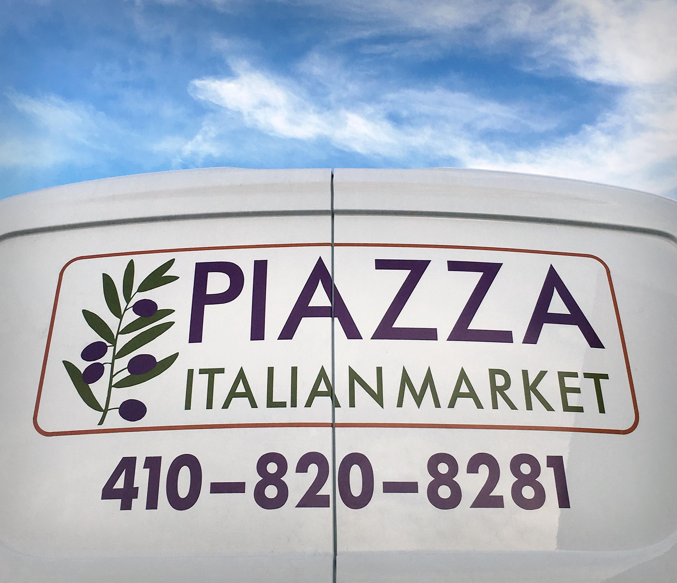 PiazzaVan.jpg