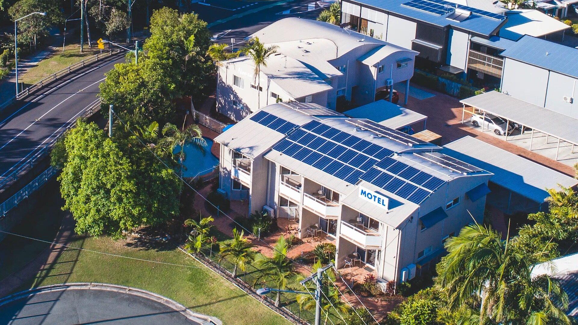 Noosa Sun Motel panels.jpg