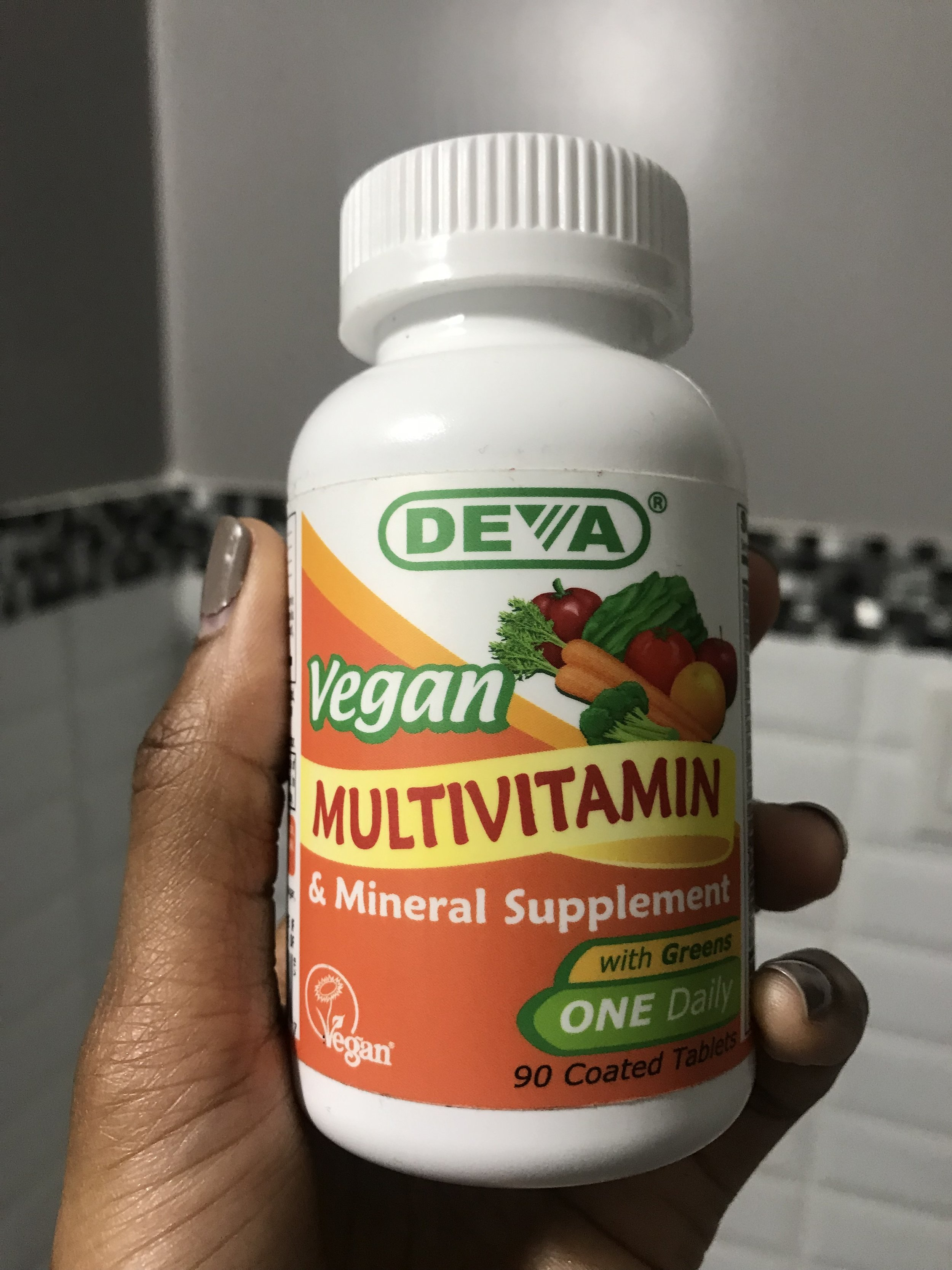 Zelue_Blog_VeganTransition_Multivitamin.jpg