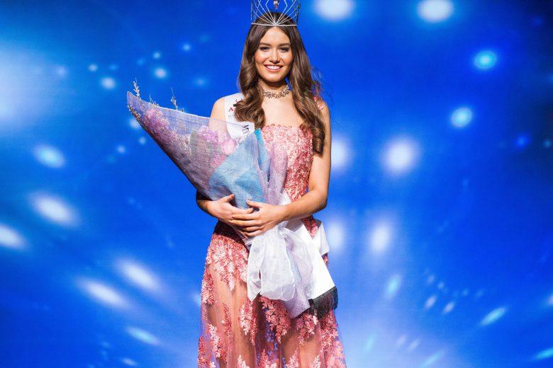 Miss-Universe-Australia-2016-Caris-Tiivel-002-Image-by-Jarrad-Seng-e1473905179397-780x520.jpg