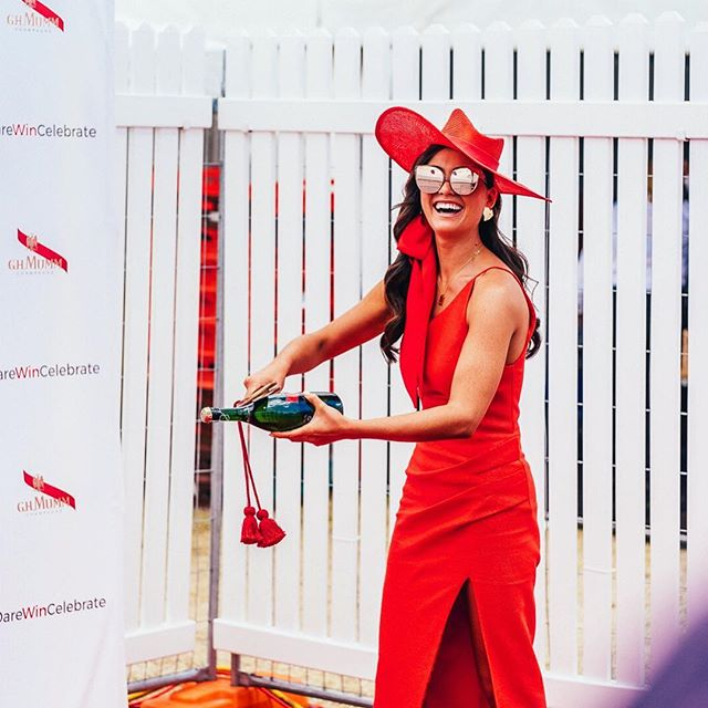 Holding out for the weekend! @francesca.hung 🎉🍾♥️ #thetippleeffect #derbyday #melbournecup #springracing #springcarnival #perth #perthevents #perthisok #pinktankevents