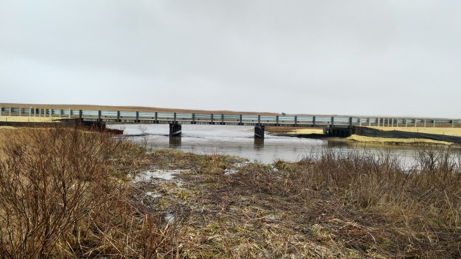 01+south+of+bridge+looking+north.jpg