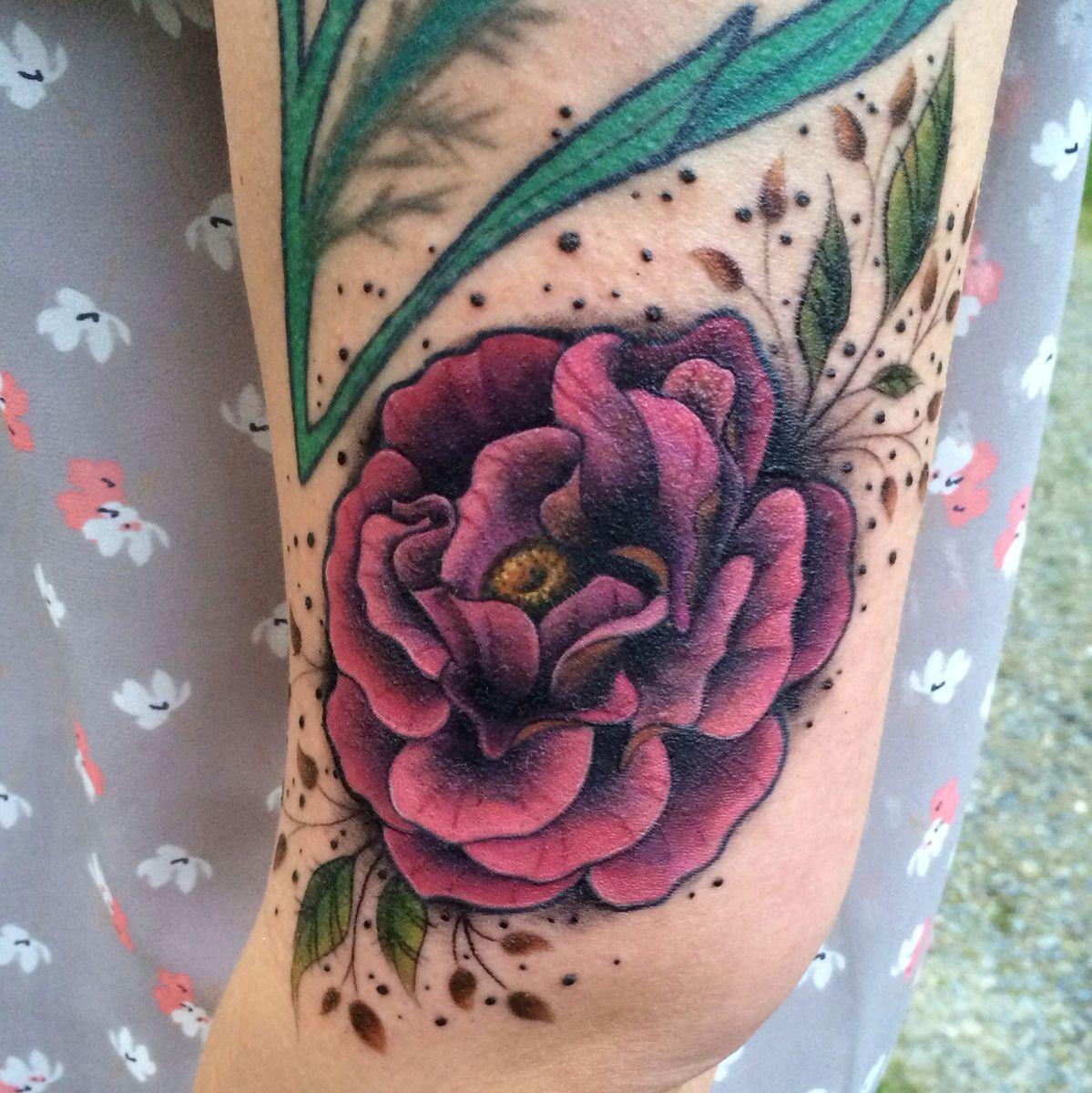 grants_pass_oregon_tattoo_artist.jpg