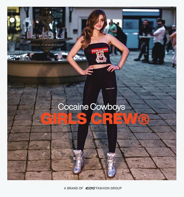 GIRLS CREW ! Find our brand new collection items at www.ccstreetwear.com !🚀💫❤️