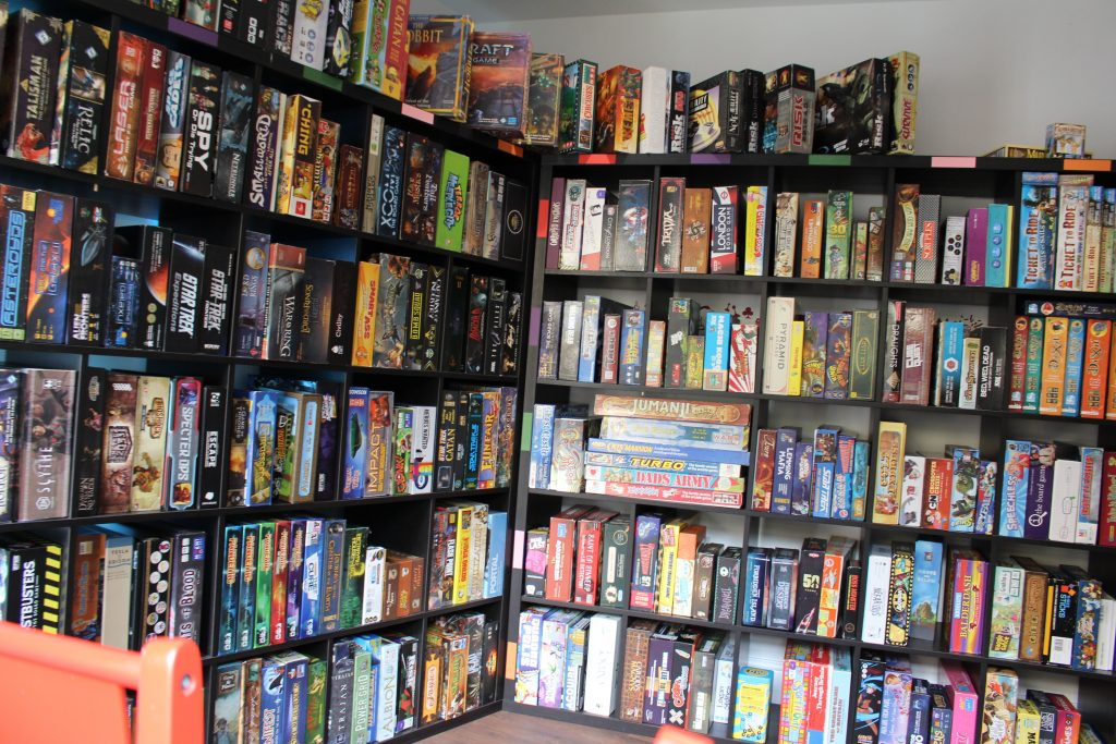 Over 550 Games - With new games added every week and hundreds of great classics you'll have no trouble finding a new game to love when visiting Playopolis!Choice paralysis? Our team are on hand to give expert recommendations!