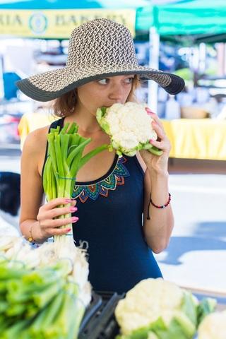 Farmers+Market+Girl+higher+res.jpg