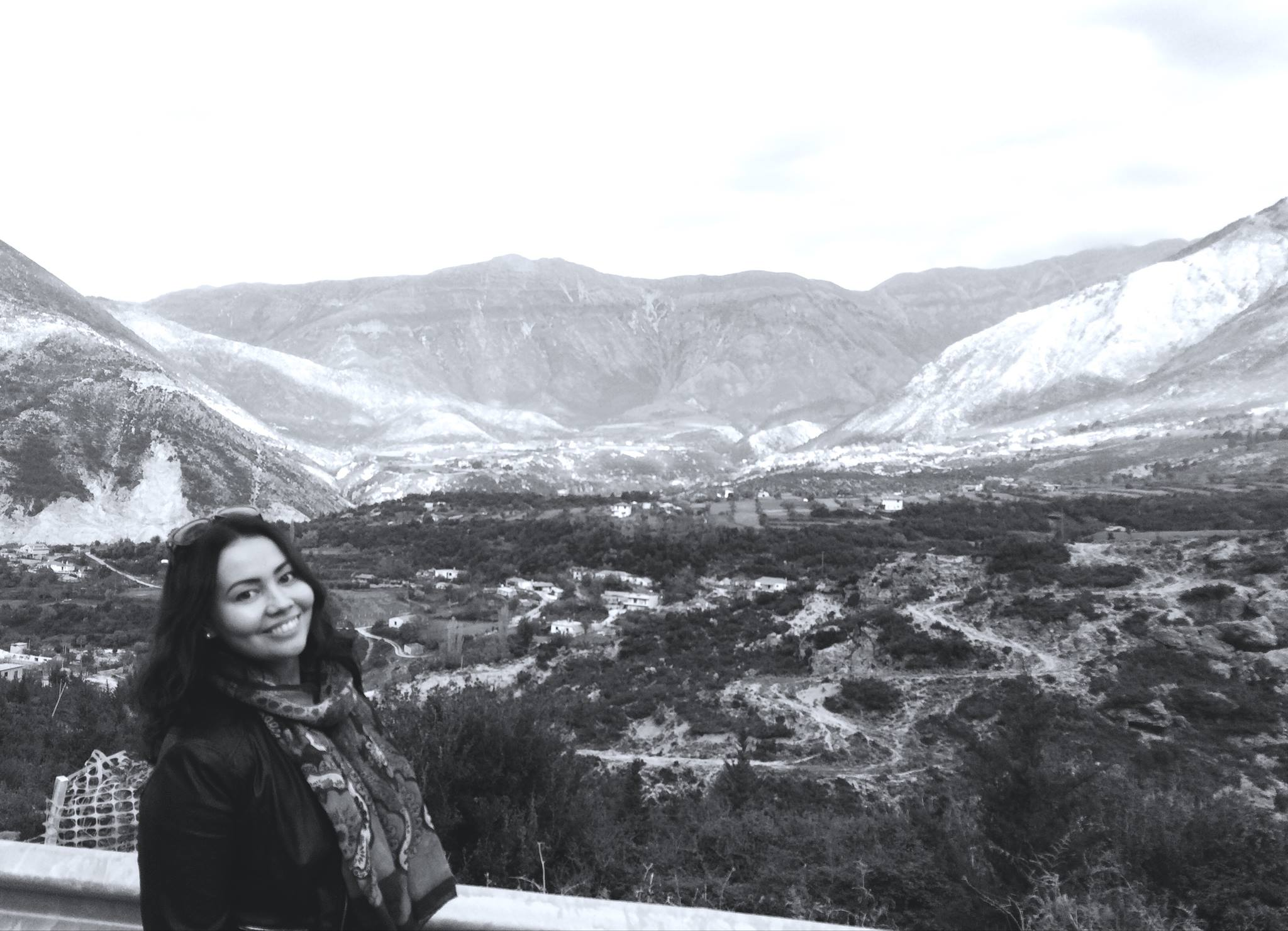 Kuva otettu matkalla Vlorasta Llogoraan marraskuun alussa, jolloin olimme nousseet autolla vasta 500m korkeuteen, mutta maisemat sisämään puolella olivat jo upeat. Kuva: Arsen Duraj