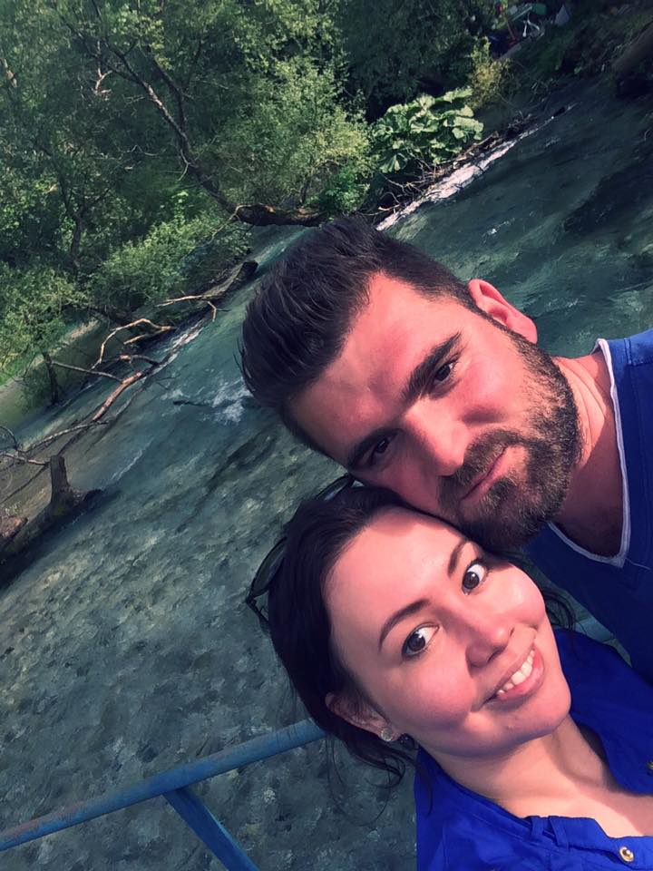 Mirkku ja Mies romanttisella kevätlomalla Syri Kalterissa huhtikuussa 2016. Kuva: Mirvan tai miehen käsi