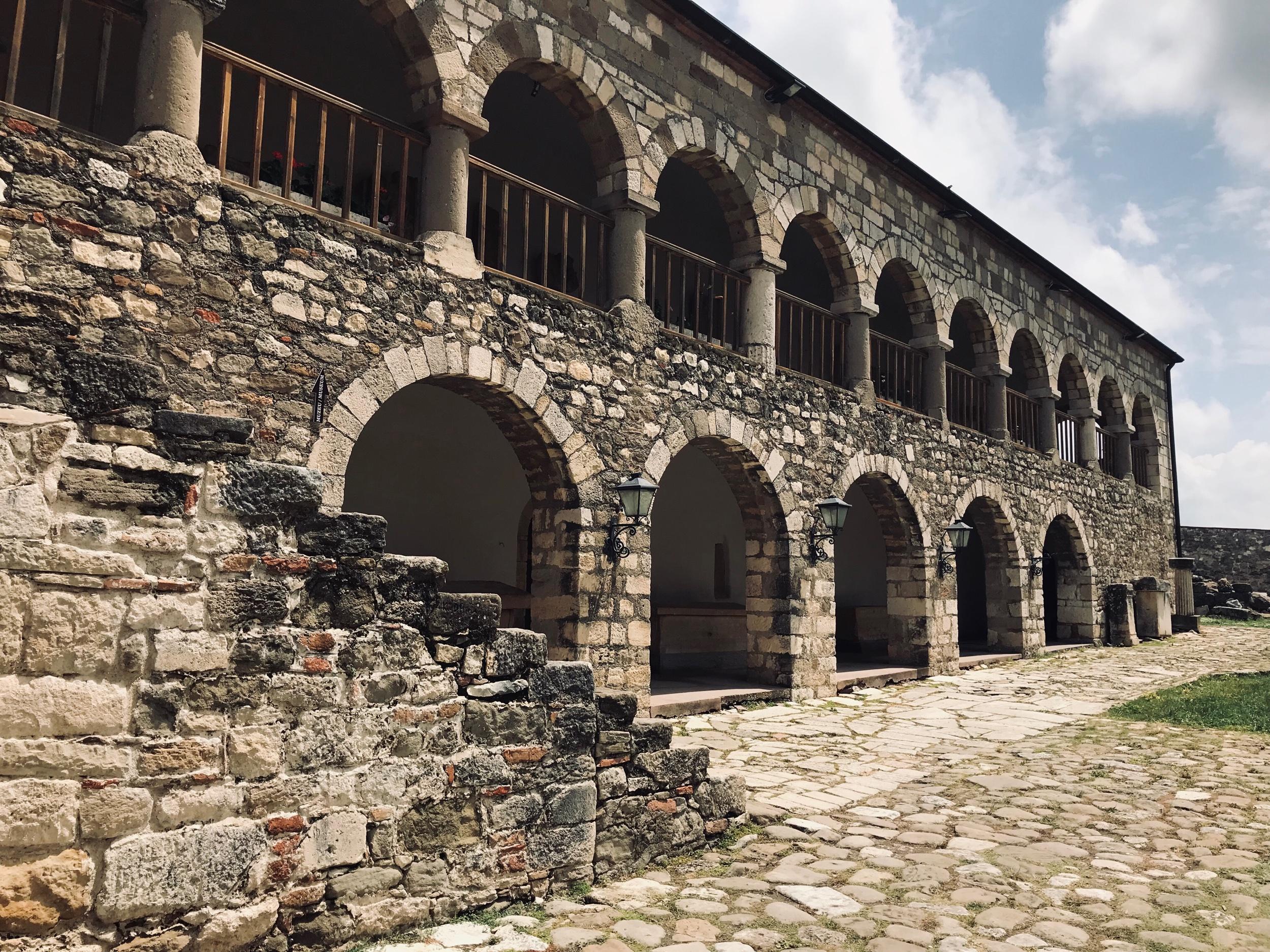 Museorakennus Apolloniassa. Kuva: Mirva Rannisto