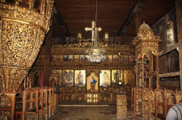 Upea ikonostaasi St. Maryn kirkossa.