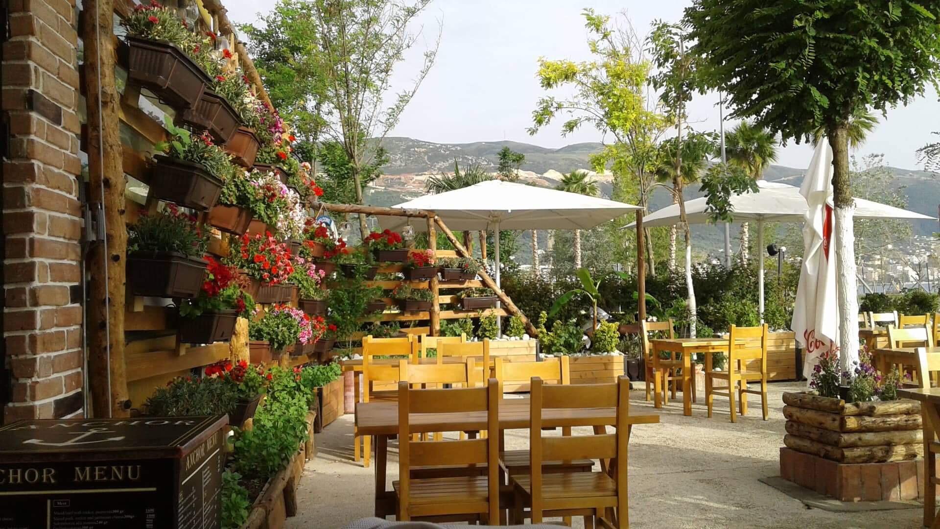 Yksi kaunis ravintola bulevardilla. Kuva: Irena Duraj