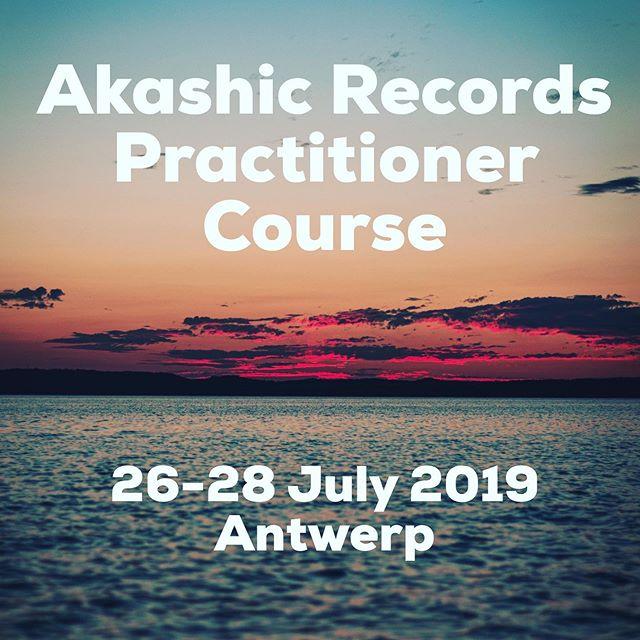 AKASHIC RECORDS WORKSHOP ✨ANTWERPEN ✨  @samantha_klomp deed over de laatste jaren verschillende cursussen & de Akashic Records Teacher Training bij @akashiclightacademy in Singapore, dit leidde tot diep innerlijk werk, een heldere verbinding met haar Gidsen en Akashic Masters en een passie om deze tool te delen met iedereen.  Onder haar begeleiding  krijgen we toegang tot onze Akashic Records - het database van ons leven. Ons verleden maar ook onze toekomst - de Akashic Records is interactief en dynamisch en verandert constant afhankelijk van onze acties & reacties in het heden.  Leer hoe je via toegang tot je Akashic Records je verleden kan loslaten, zelf-meesterschap & zelf- integratie kan bereiken, en je zelf her-programeren om meer overvloed, zelf-zekerheid, kracht en rust in je leven te brengen.  Als je al lichtwerker of energetisch therapeut bent, geeft deze cursus inzicht en tools om je eigen energie te beschermen en versterken + an attunement voor Clearings & Activations waarmee je direct aan de slag kunt gaan bij klanten of familie en vrienden✨  Deze workshop is voor IEDEREEN die zich geroepen voelt, geen basis AKASHIC RECORDS WORKSHOP 26 -28 Juli 2019 Meirbrug 1, Antwerpen 450€ (Early Bird korting t.e.m 01 Juli 2019) (Regulier 600€) #antwerp #meditatie#spirituality #belgie #meditation#akashicrecords #heal #spiritualiteit#kracht #amsterdam #rotterdam#breda #nederland #yoga #bethelight#lightworker #lichtwerker #helen