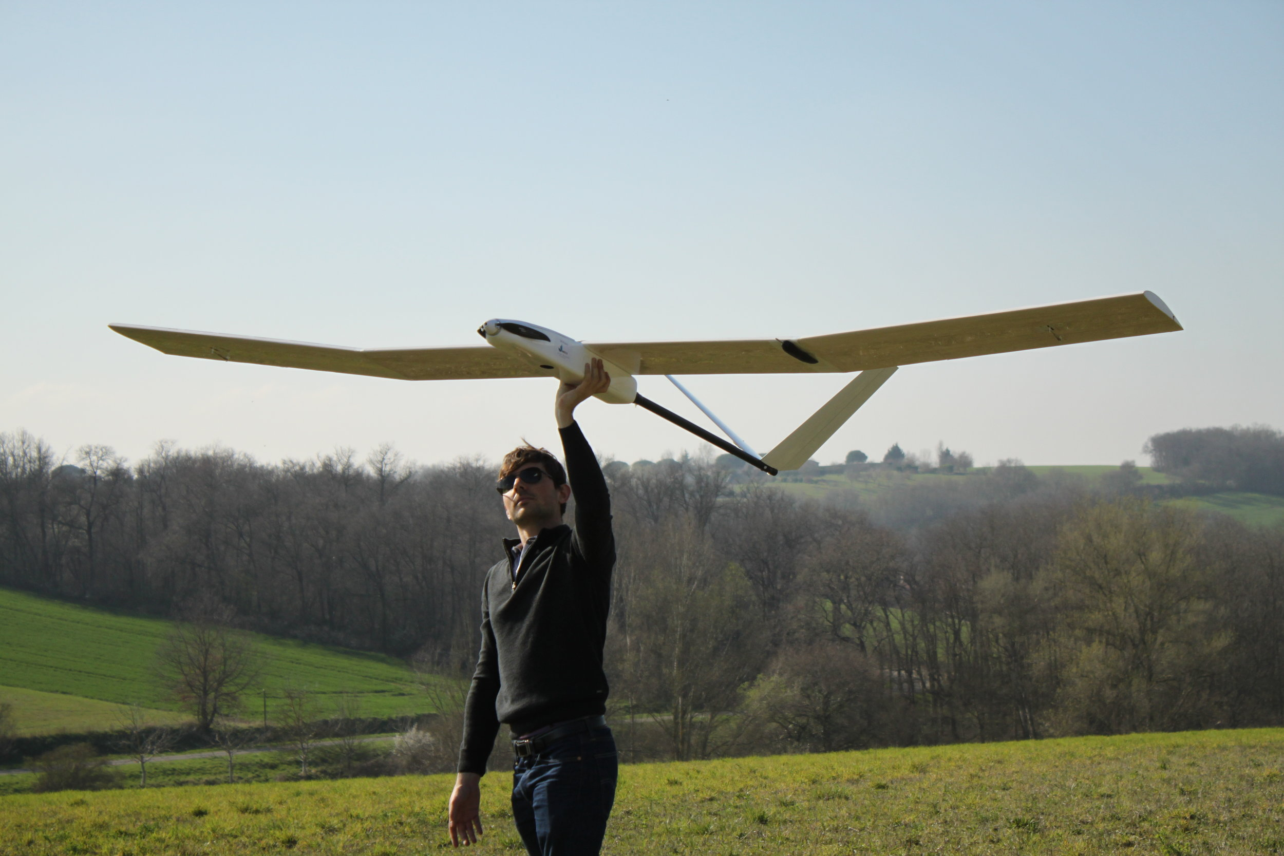 Fly like no other drone - Sunbirds is the world leader in solar powered drones. Our UAV, the SB4 Phoenix is the most enduring lightweight UAV of the market, capable of flying a entire day with a weight of only 3.5kg.Choosing our solar wing will allow your UAVs to reach the same performances and will definitely transform your flight experience.