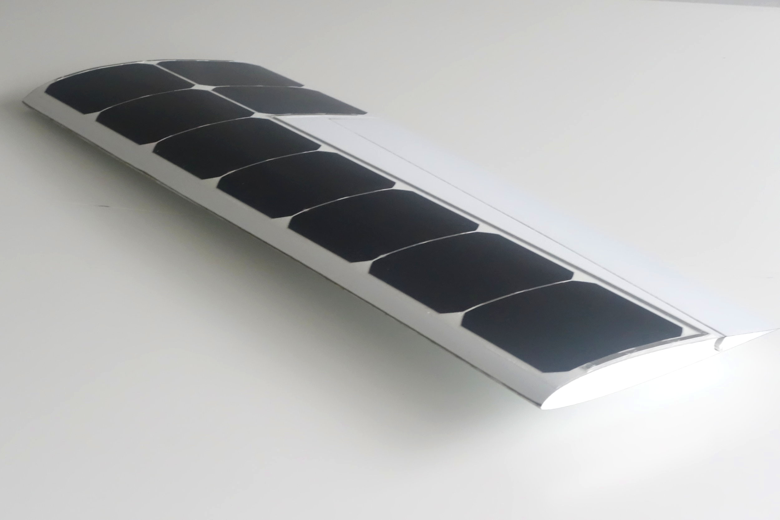 Ease your operations with a turnkey technology - Our 100W solar wing is a ready-to-use technology. You will be able to integrate it on your UAV as soon as you'll receive it. All the connectors and servos are already mounted. The solar cells are smoothly integrated on the upper surface. You only have to plug the wing to your power system and your drone will never be the same !