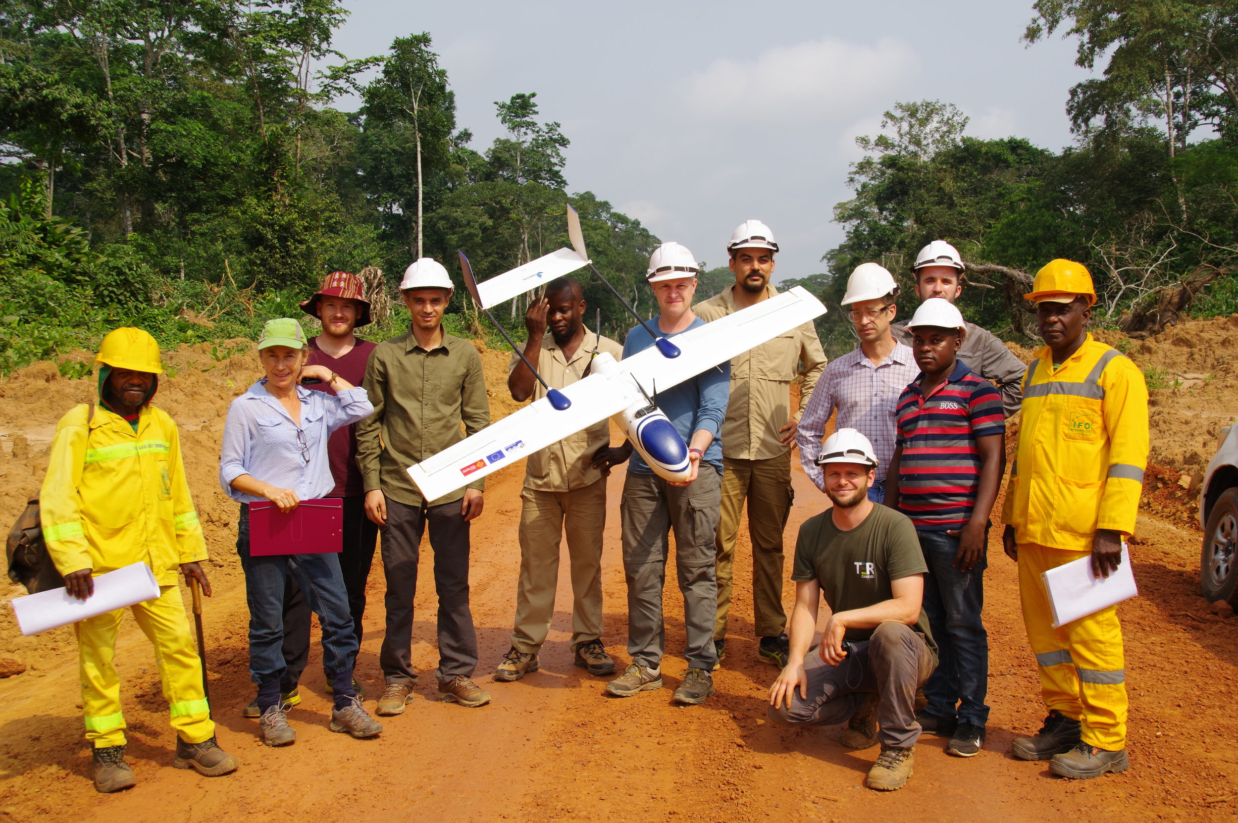 The IDROP/IDROC Consortium - Sunbirds has partnered up with key players in Data-Processing, Tropical Researches and Forestry to tackle the Digital Forestry Transformation. We aim to provide a turnkey solution enabling Forestry companies to use remote sensing with UAVs in order to demonstrate their involvement in responsible forest management while optimizing their daily operations. Drone technology allows unmatched accuracy regarding the monitoring of forestry environmental impact. It provides a global understanding of the potential volume of commercial species in the next Management Units. Those data are critical and game changing information to take the right strategical decisions.