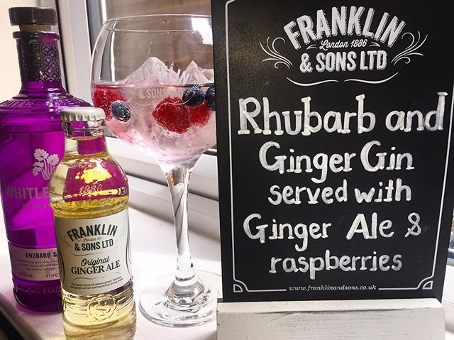 Just because it's raining does not mean the gin has to come to an end🌦One of our most LOVED😍 @whitleyneillgin Rhubarb and Ginger served with @franklinandsons ginger ale with berries 🍓🍇🍒