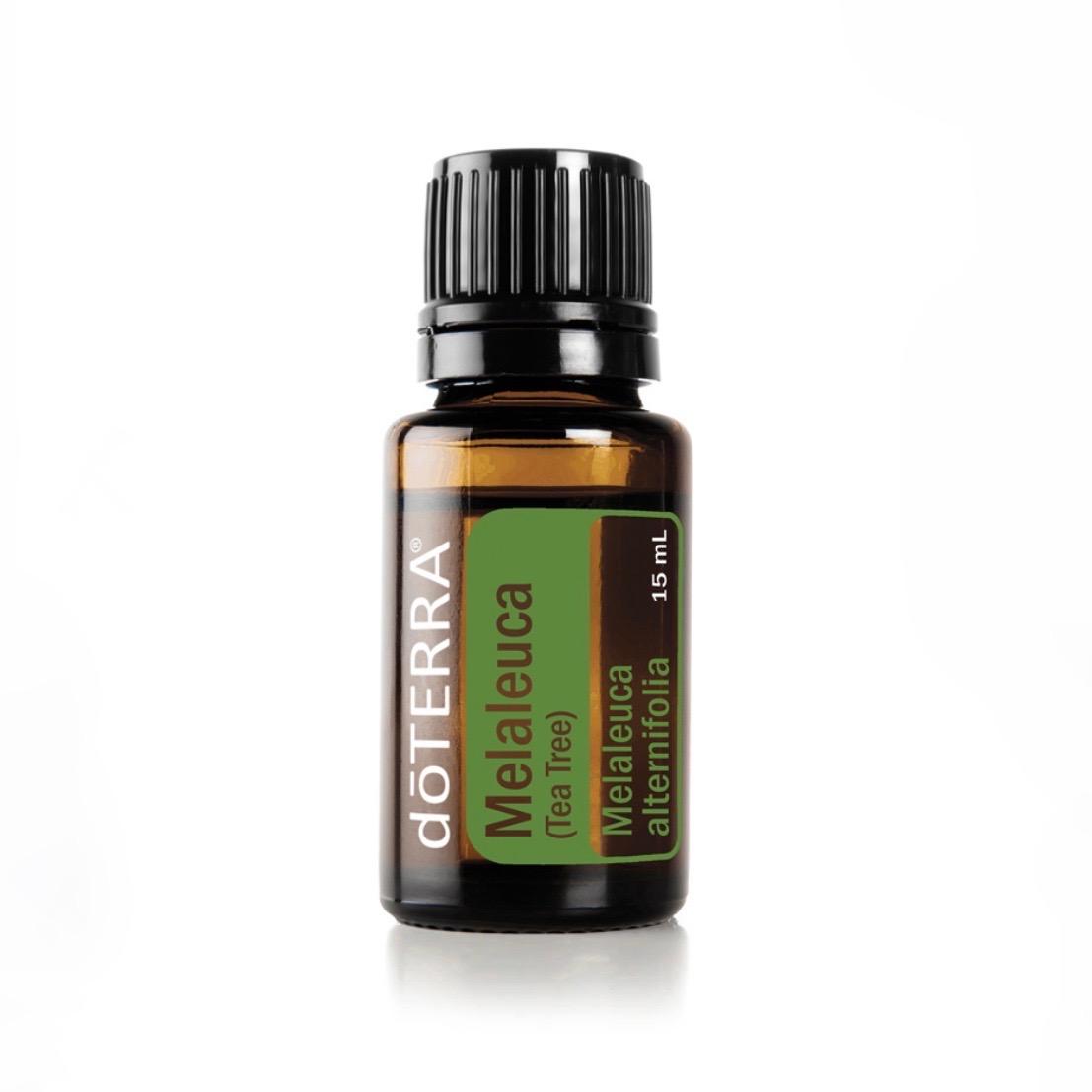 Melaleuca / Tea Tree - Renande egenskaperKombinera 1-2 droppar med din ansiktsrengöring eller fuktkräm för extra rengöringsegenskaper eller applicera på huden efter rakning.Applicera på naglar och tånaglar för att hålla naglarna rena och friska.Perfekt att rengöra småsår medAddera några droppar till ditt schampo eller massera in i hårbotten.Addera en droppe till din tandkräm eller gurgla med vatten för en snabb och enkel munsköljning.Använd som en effektiv ytrengörare.Avvisar småkryp naturligt.