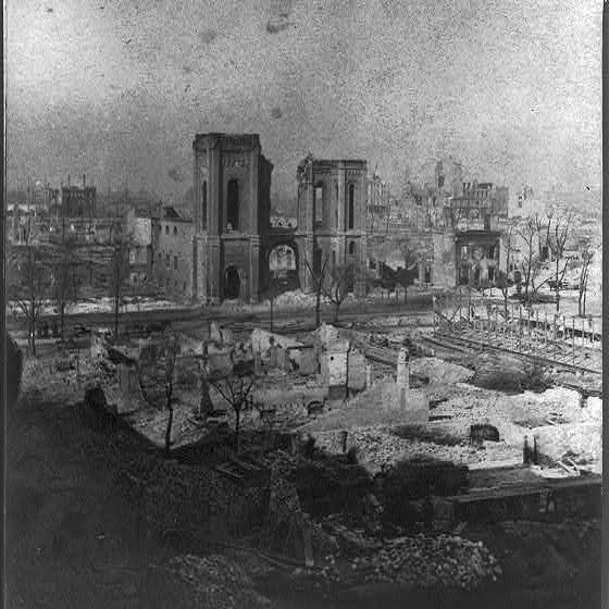 The Chicago Fire-view of the city in ruins, northwest from Michigan Ave. hotel, Library of Congress Prints and Photographs Division Washington,  http://www.loc.gov/pictures/item/2016651829/.