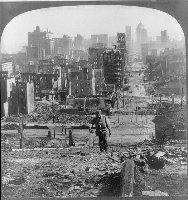 Cal. - San Francisco - Earthquake & Fire, 1906: Kearney St. from Telegraph Hill, Library of Congress Prints and Photographs Division Washington,  https://www.loc.gov/pictures/item/2006689809/.