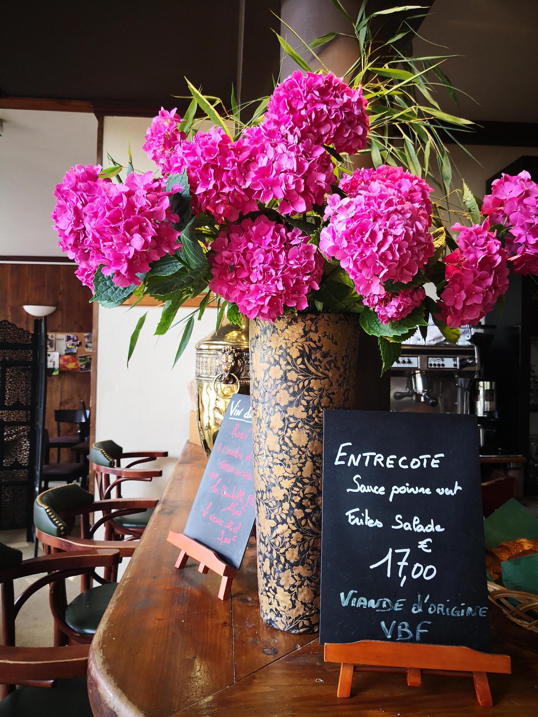 Bouquet bar restaurant juillet Anjou Golf .jpg