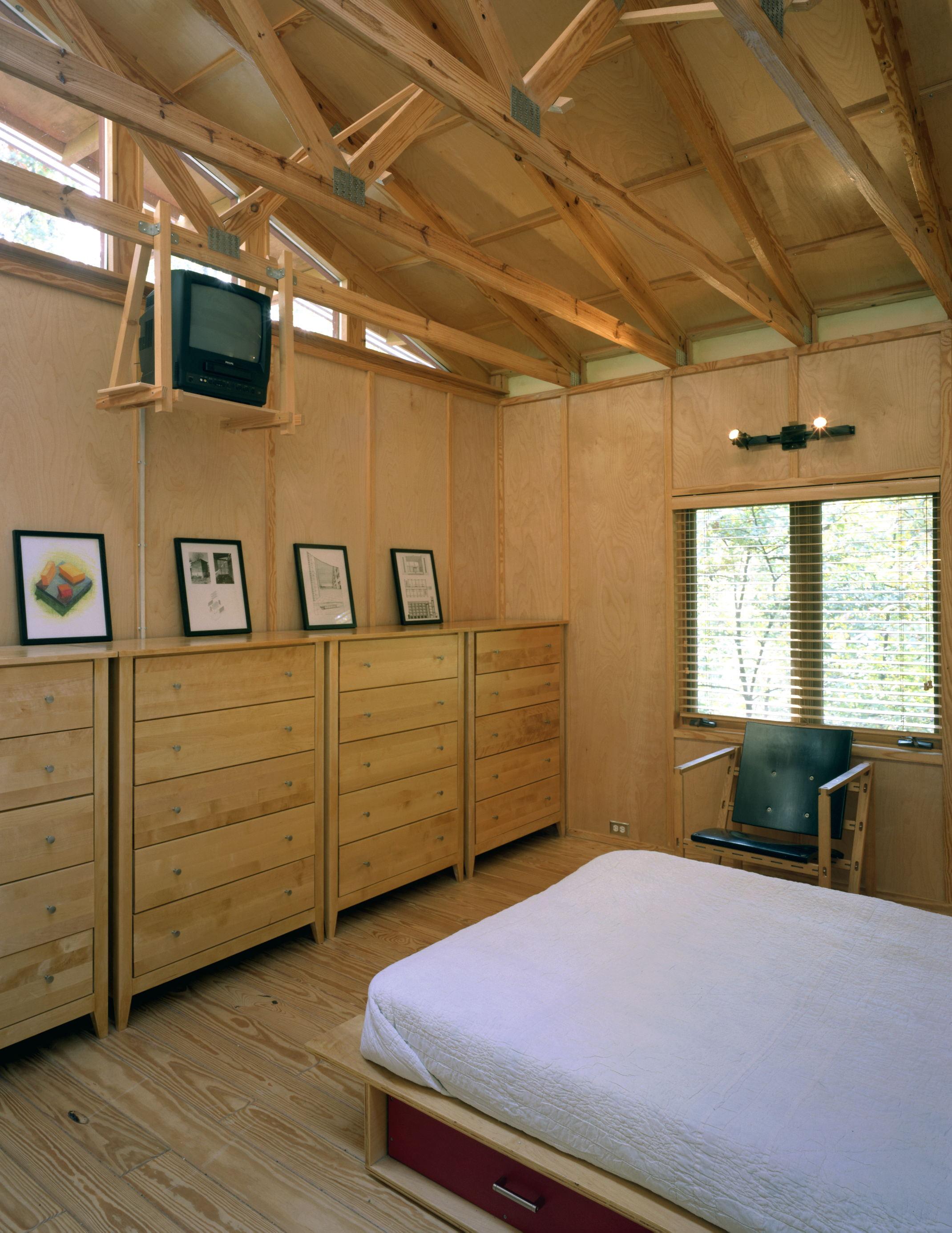 Kazebee House bedroom