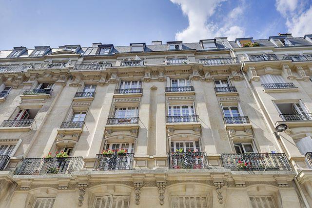Nouvelle exclusivité: Appartement de 40m2 dans le 15eme arrondissement entièrement refait par un architecte d'intérieur #75015 #appartement #paris #realestateagent #exclu #new
