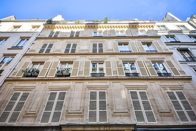 Nouvelle exclusivité: 33m2 Rue de Verneuil refait par un architecte #verneuil #streets #realestate #studio #33m2  #for #sale #silverkeys