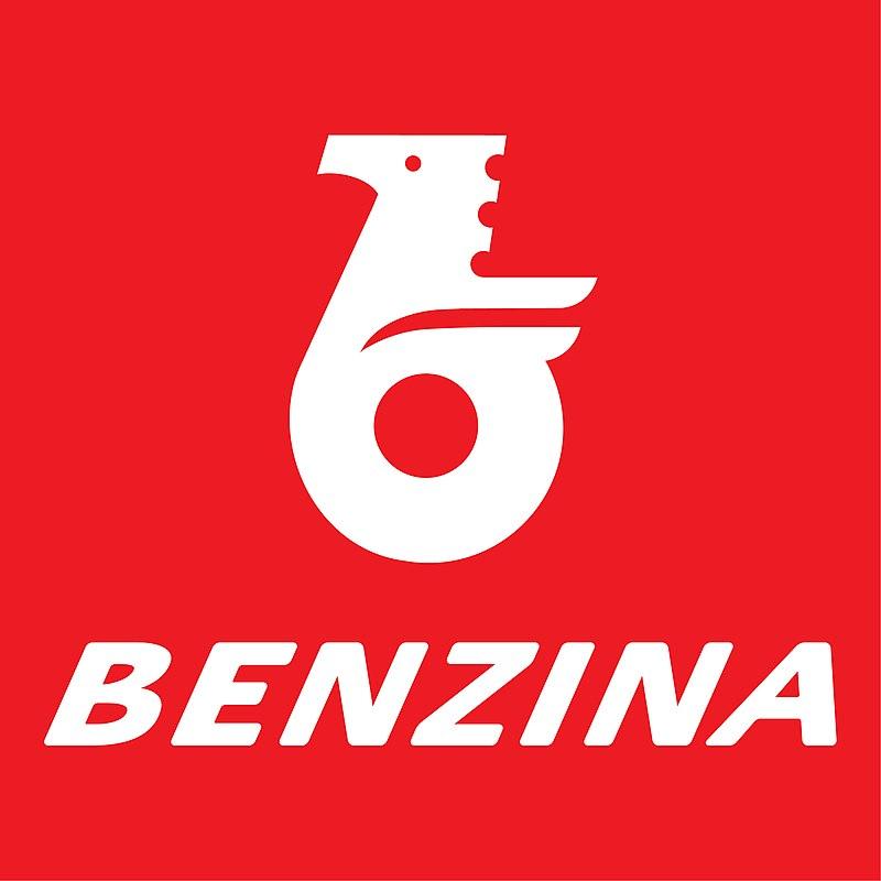 800px-Benzina+.jpg