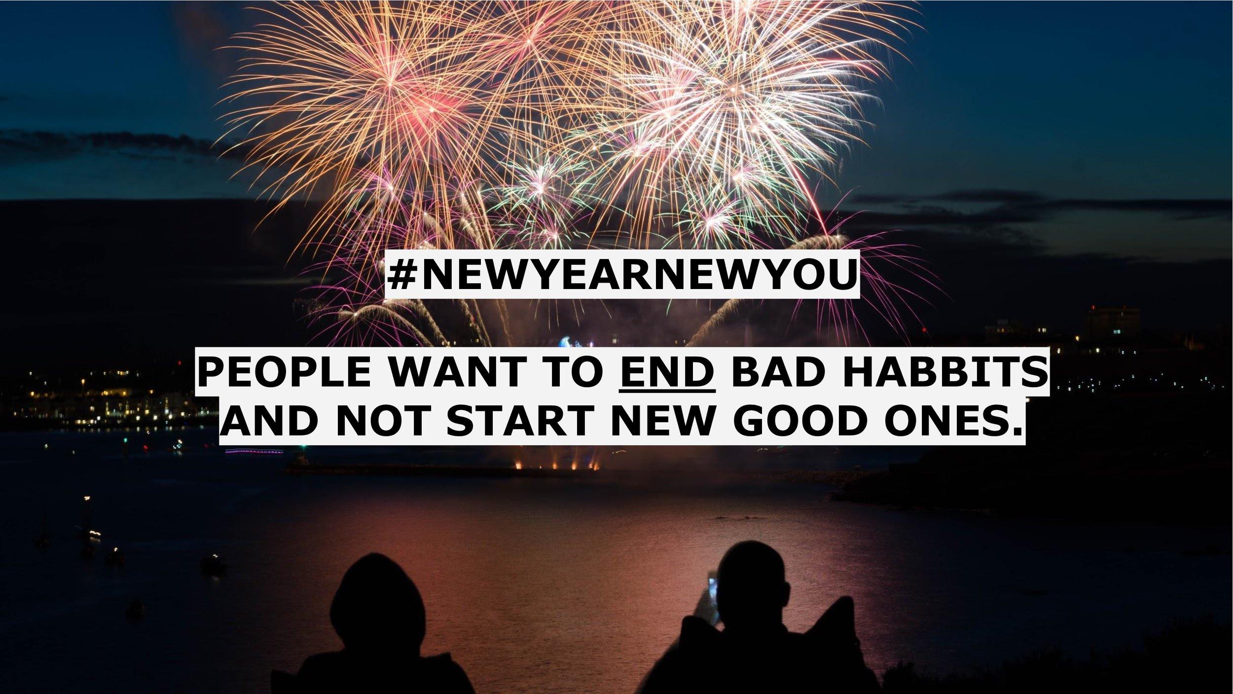 """Konverzace á la #NewYearNewYou poklesnou 3. ledna na stejný objem jako před Vánoci. Ve skutečnosti je ale nejčastějším slovem spojeným s Novým rokem slovo """"přestat"""". Lidé tedy vnímají novoroční předsevzetí jako možnost napravit něco, co dělají špatně. S novým rokem chtějí """"přestat"""" a ne """"začít"""". Asi proto je ve výsledku v únoru ve fitku zase prázdno."""