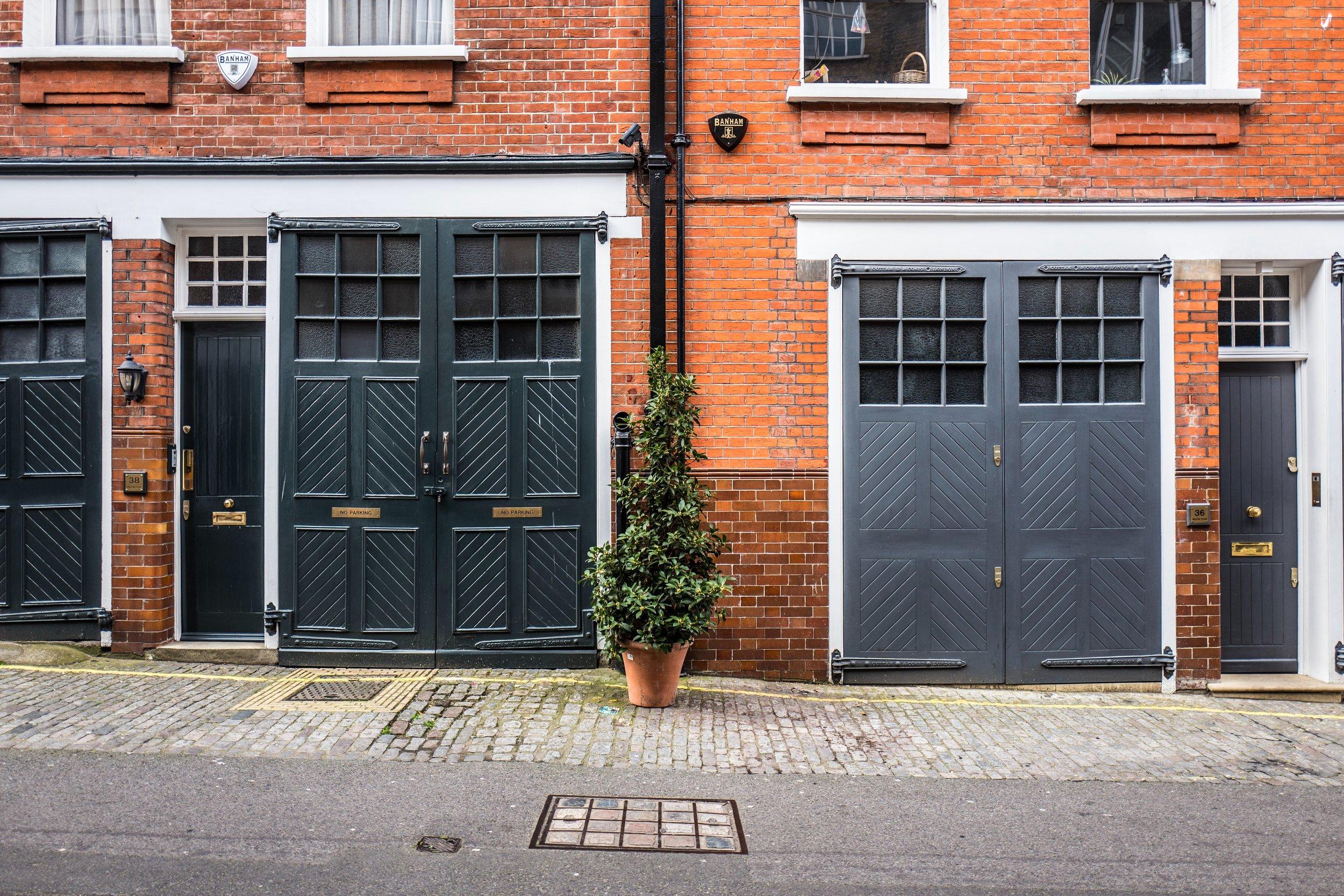 brick-door-facade-1098666.jpg