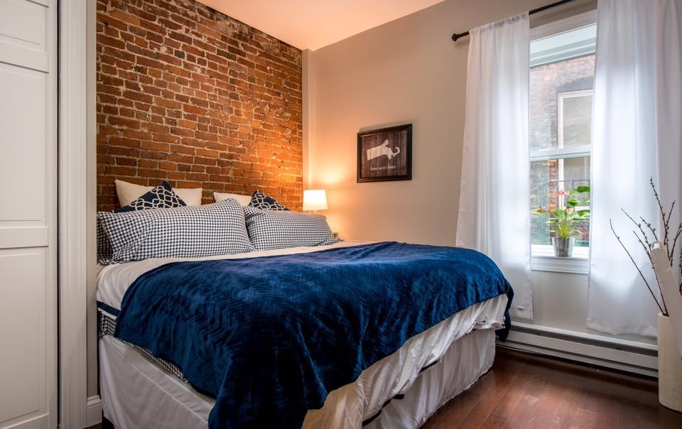 Boston, MA - Beautiful renovated 1 bed / 1 bath unit in the heart of the North End on Prince St! Recently remodeled with all the bells and whistles and gleaming hardwood floors!