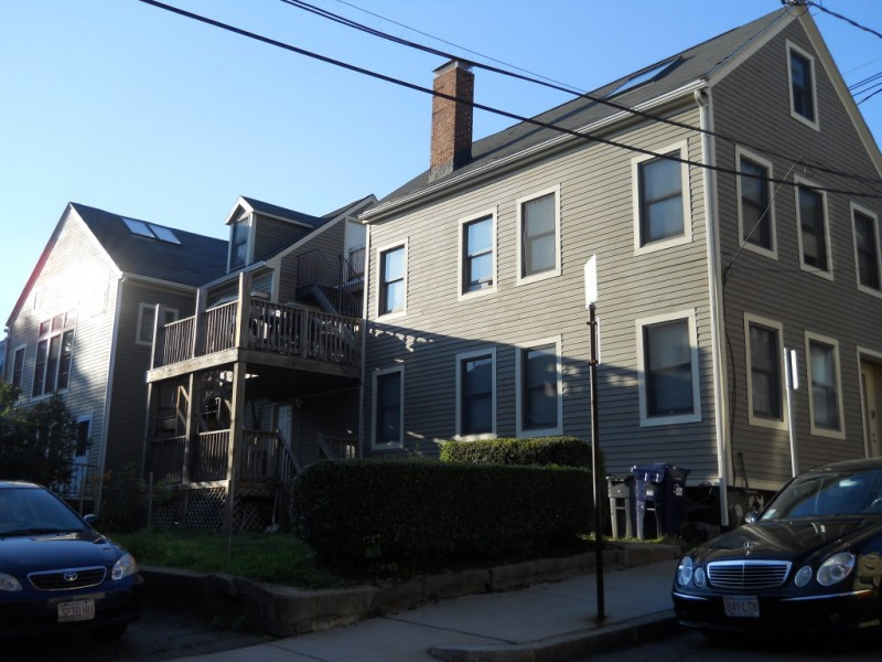 Charlestown, MA - 3 Bed, 2 Full 1/2 Bath located in Charlestown. Beautifully remodeled unit with dark hard wood floors, stainless appliances, white quartz counters, custom master bathroom and more! Unique layout!