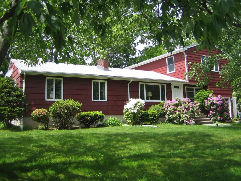 Lynnfield, MA - 6 Huckleberry Road in Lynnfield, MA recently sold to a couple buying their first home. With a little TLC, this house will become the home of their dreams. 5 bedroom, 2.5 baths. Located in a friendly neighborhood and well-rated school district.