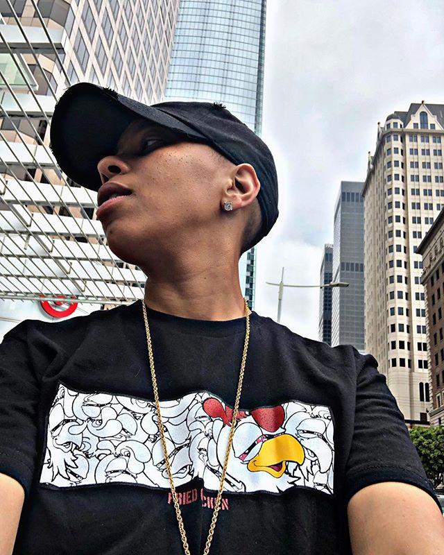 🏁 Millions off of retail, once again I prevail • • • 💧: @fried_chicken_gear • • • #msproper #losangeles #dtla #figand7th #friedchicken #streetwear #urbanstreetwear #influencer #hiphop #lifestylebrand #luxurylifestyle #success #nipseyhussle #ripnipsey #tmc #themarathoncontinues #bestfriedchicken