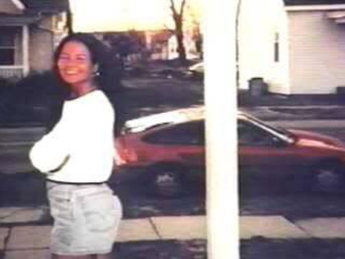 Carrie and her Red CRX (fox 19)