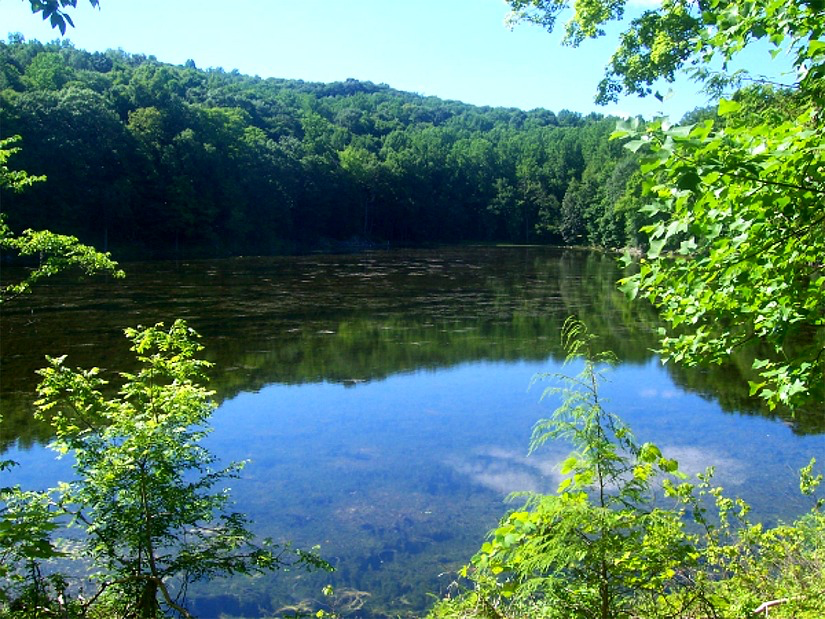 Ghost Lake (Wikipedia)