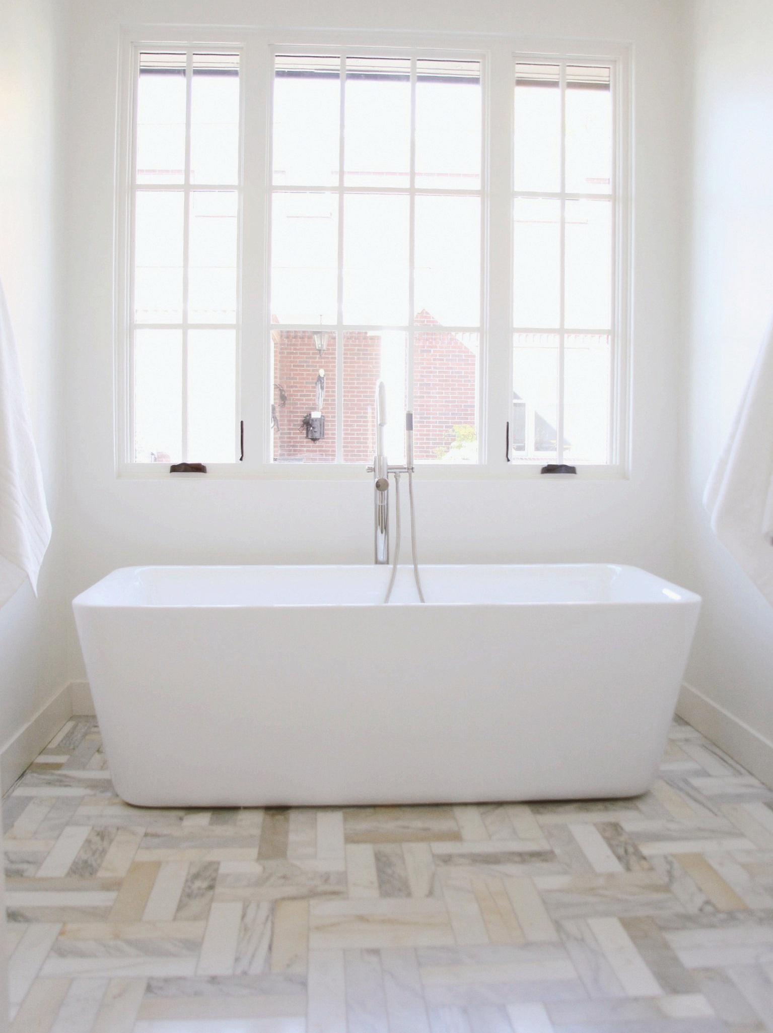 Bathroom Tub Country Club