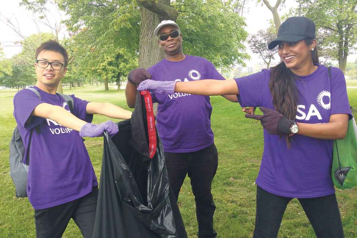 This June, RSA Canada employees were enthusiastic participants of the Great Canadian Shoreline Cleanup campaign, a partnership with the Vancouver Aquarium and WWF-Canada. SUPPLIED