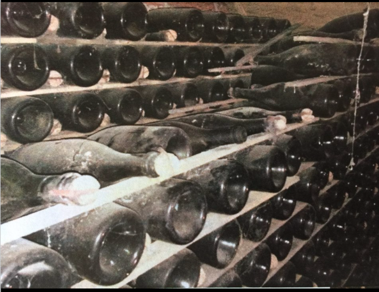 - There is a wine cellar with 1,800 bottles still in the house. Many old champagne bottles that had never been opened. Several Neapolitans can tell stories from when they were invited down into this cellar for a drink by previous owners.