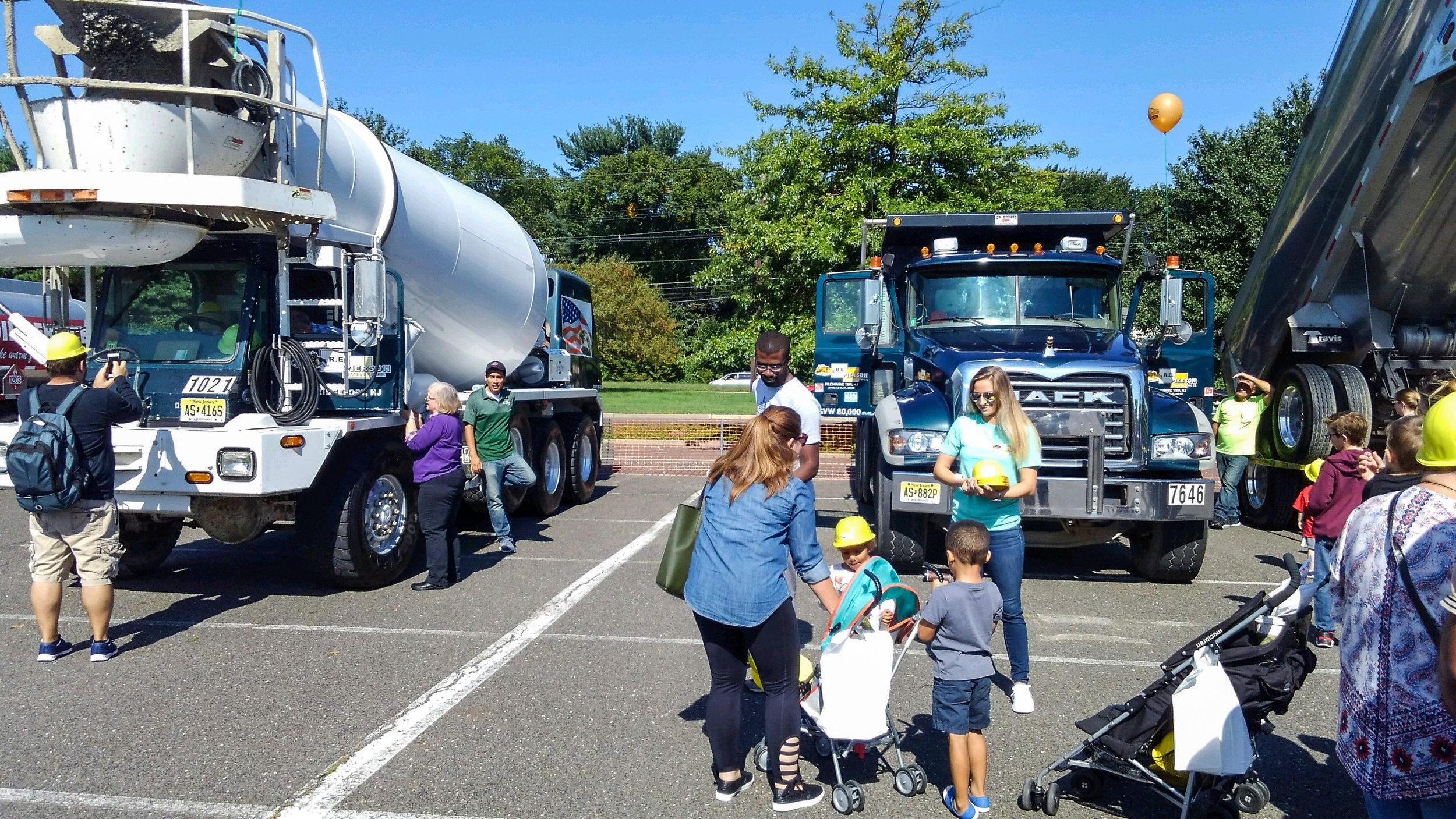 touch a truck mall-2.jpg