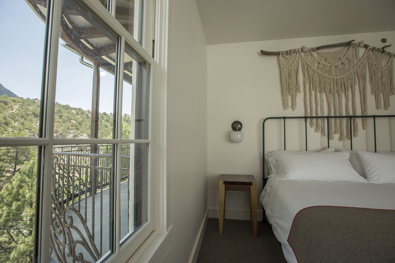 Honeymoon-suite-12.jpg