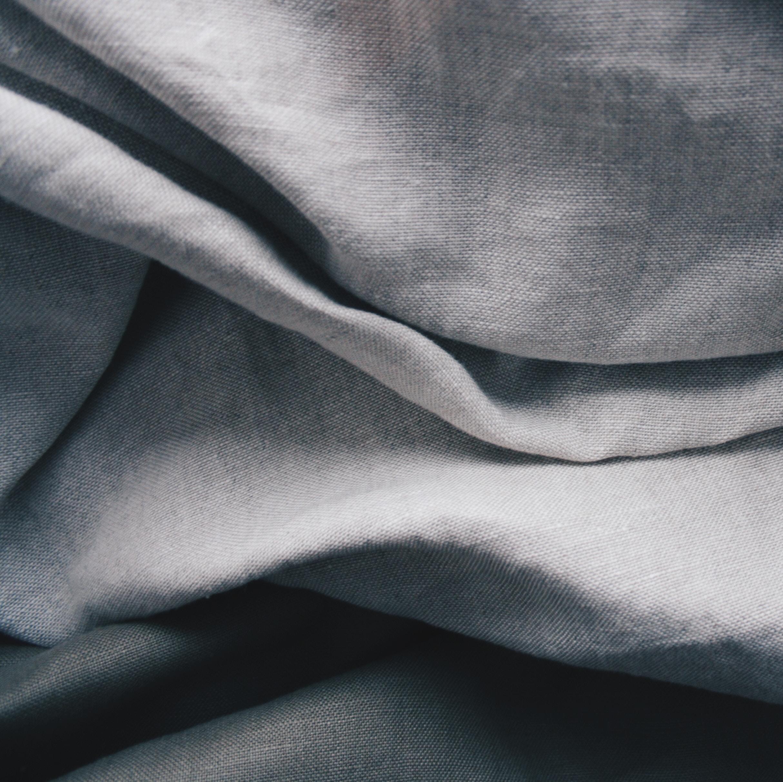 Conseil mobilier - textiles - Marie-Céline vous aide dans la conception et la mise en scène de votre projet en associant les pièces que vous souhaiter conserver et de nouveaux achats effectués auprès de grands éditeurs de mobilier et textile ou d'enseignes plus accessibles.
