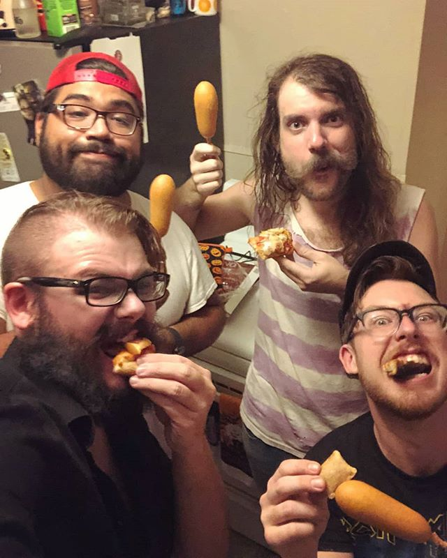 Outlawin' ain't easy. . . . #bandpractice #fallofcorndog #yearofcorndog #deadhorsecreek #outlaweatin