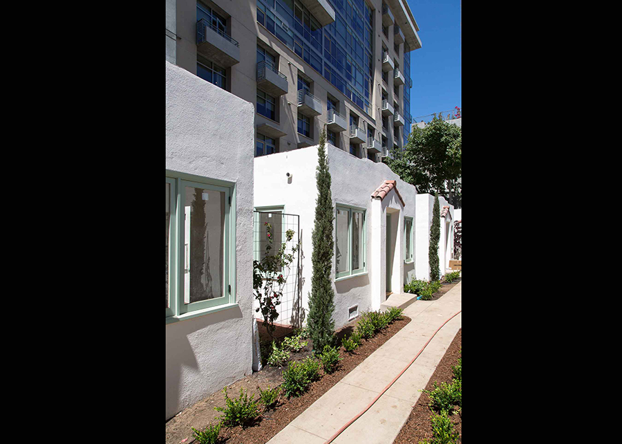 the-bungalows-studio-cottages-little-italy (20 of 23).jpg