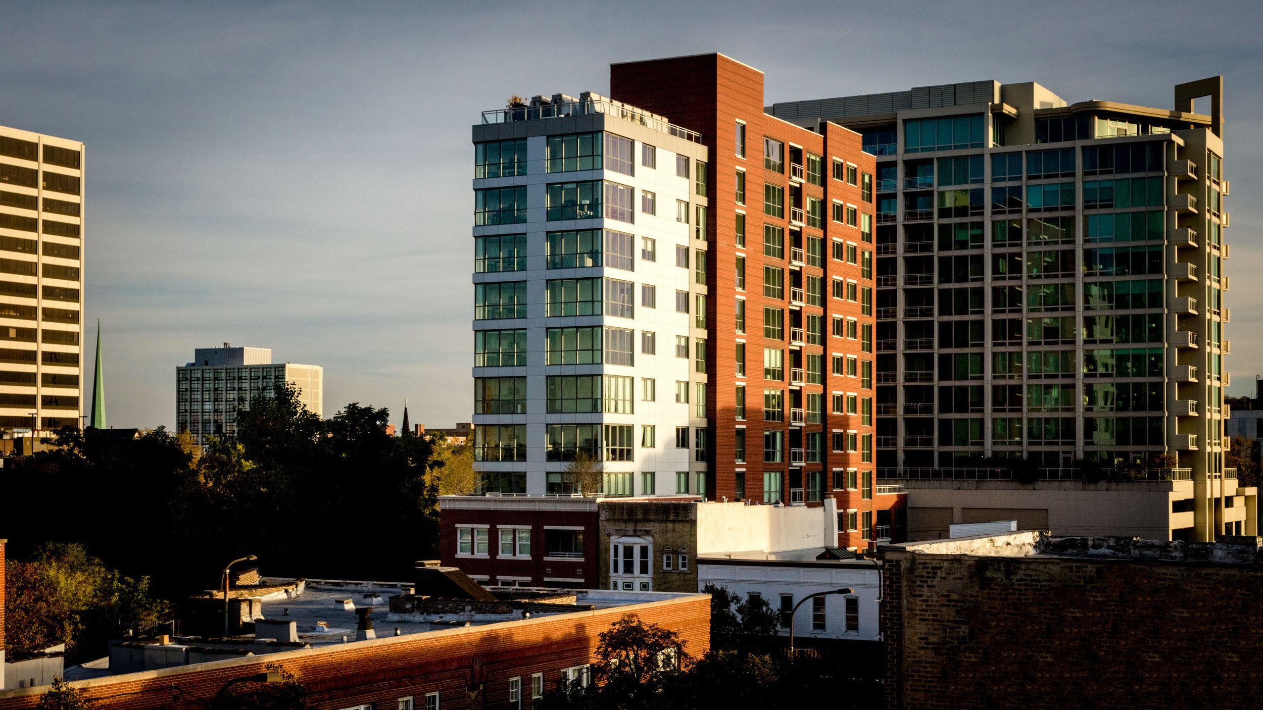 Centrum Evanston - Exterior - 01.jpg