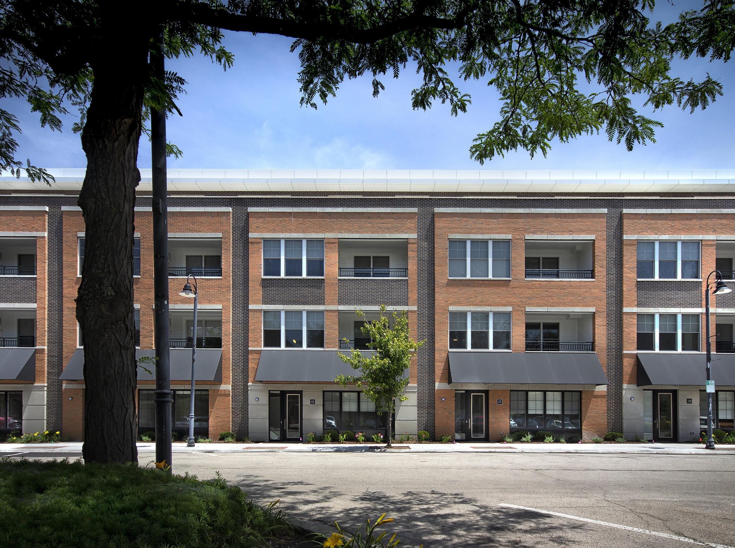 Clarendon Hills 04.jpg