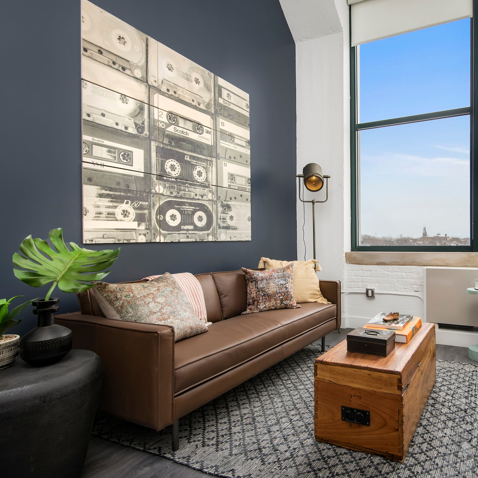 LOFTS IN OLD MARSHALL FIELD'S WAREHOUSE NOW ACCEPTING RENTERS - BLOCK CLUB > 2.22.2O19